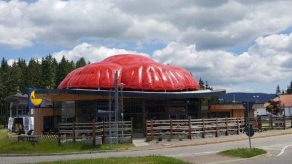 inflatable roof advertising