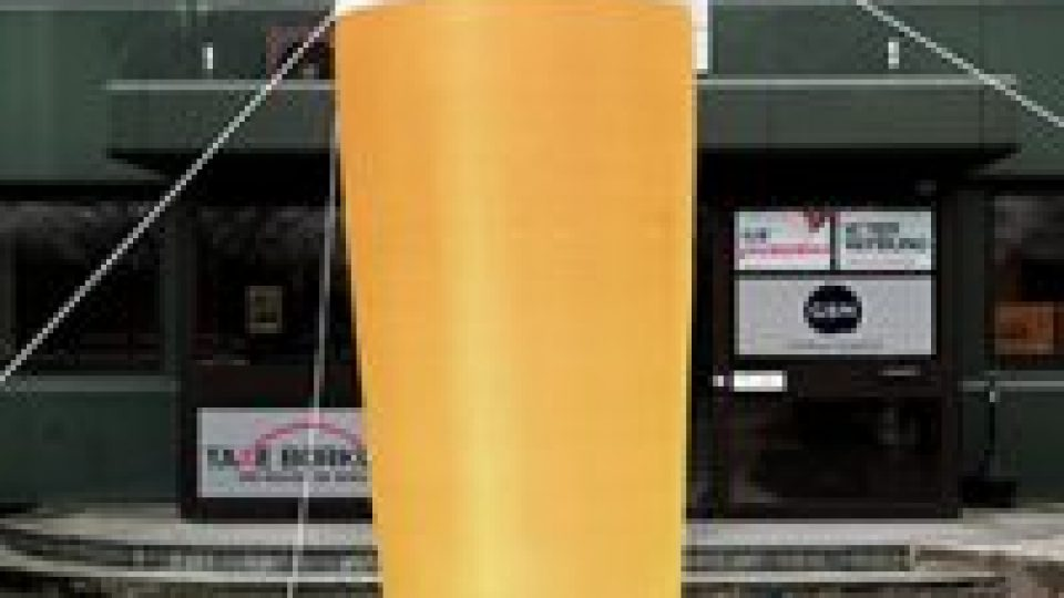 aufblasbares-bierglas1-200×200