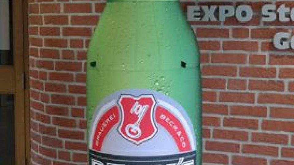 becks-flasche-zum-aufblasen-273×500