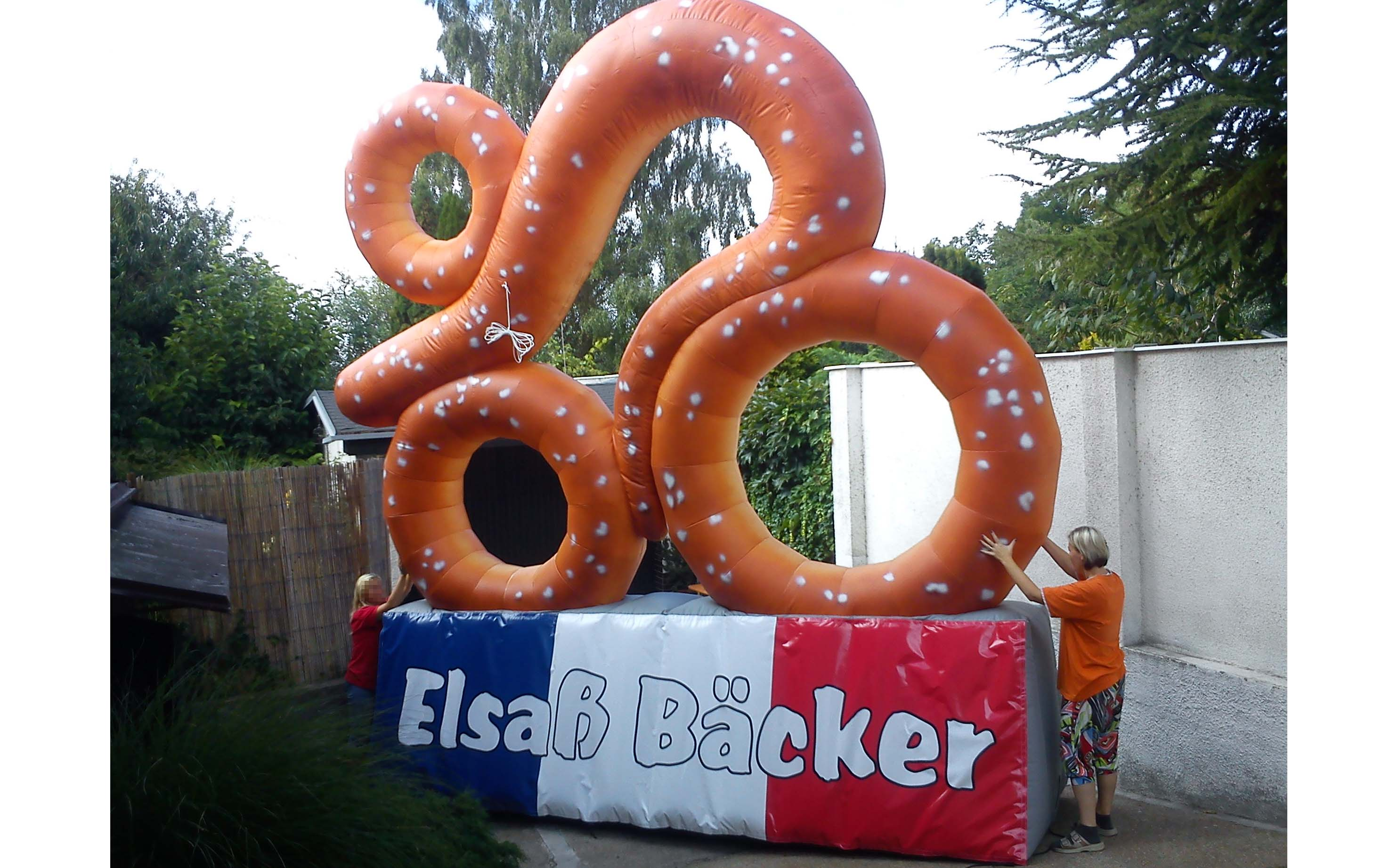 pretzel-bike-inflatable-baker
