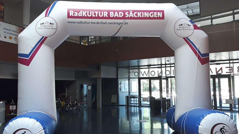 fully printed inflatable archway