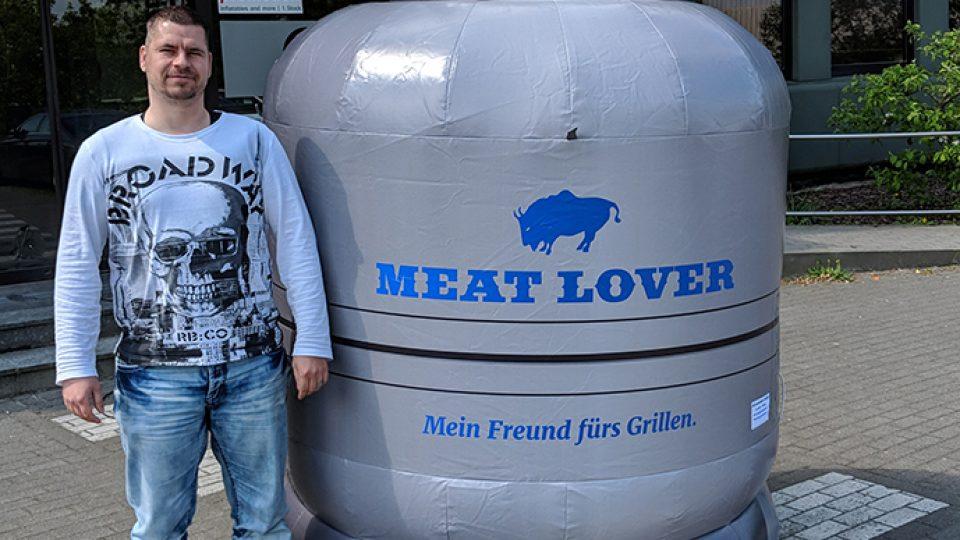 gasflasche-aufblasbar-meat-lover