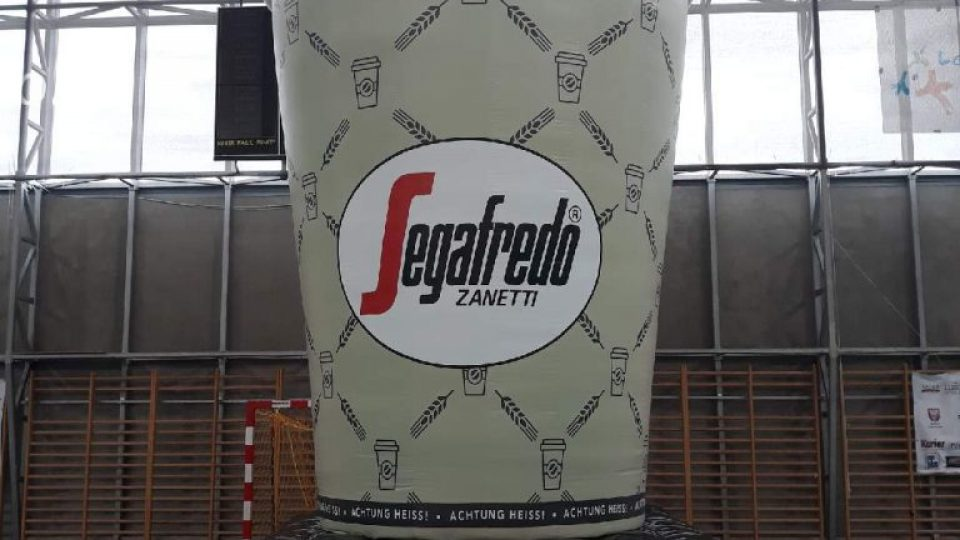 inflatable_roof_advertising