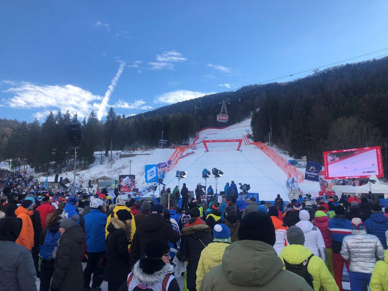 ski_advertising_inflatable