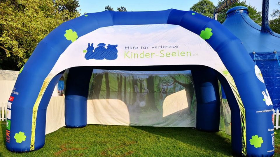 inflatable_Spider_Tent