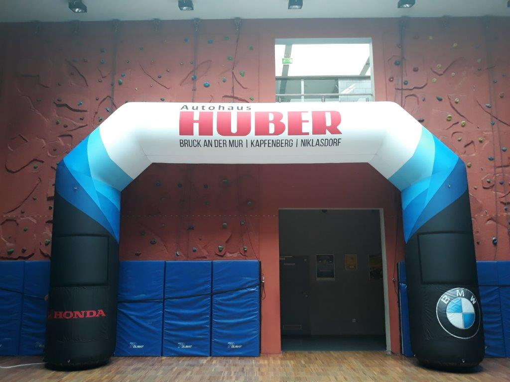 inflatable_arch_with_banner