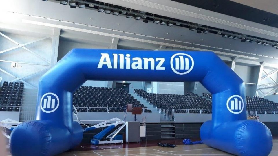 inflatable_archway_allianz