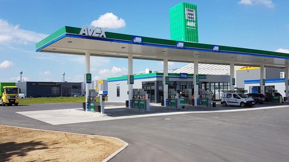 inflatable_petrol_pump