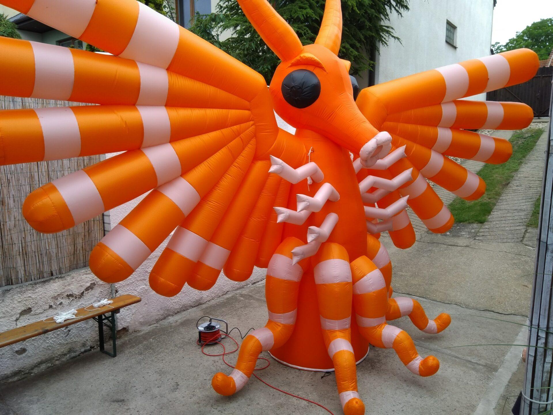 stage_figure_inflatable