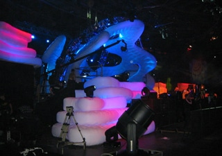 Custom molded inflatable stage buildings for concerts