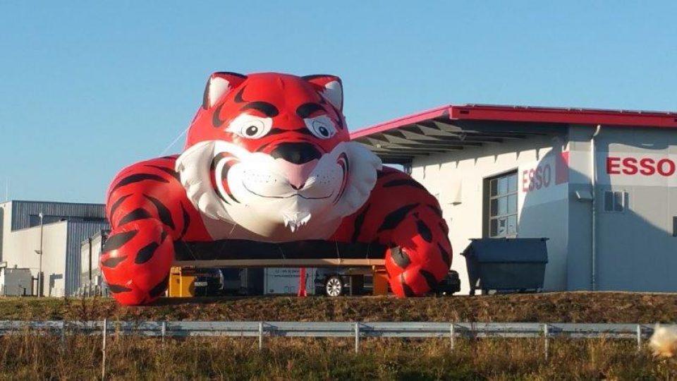 Riesen-Esso-Tiger