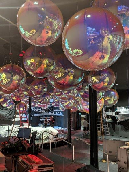 Aufblasbare Spiegel-Bälle Decke