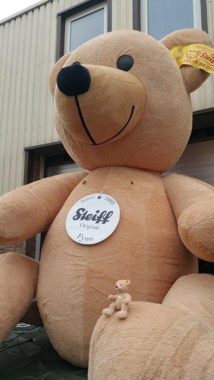 Aufblasbarer Teddy-Bär