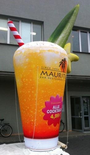 Aufblasbares Cocktailglas