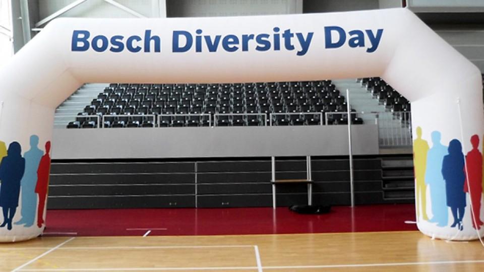 Aufblasbarer Torbogen Bosch