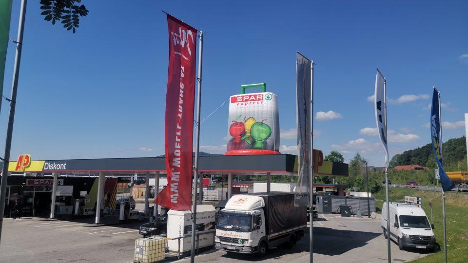 Dachwerbung-Tankstelle
