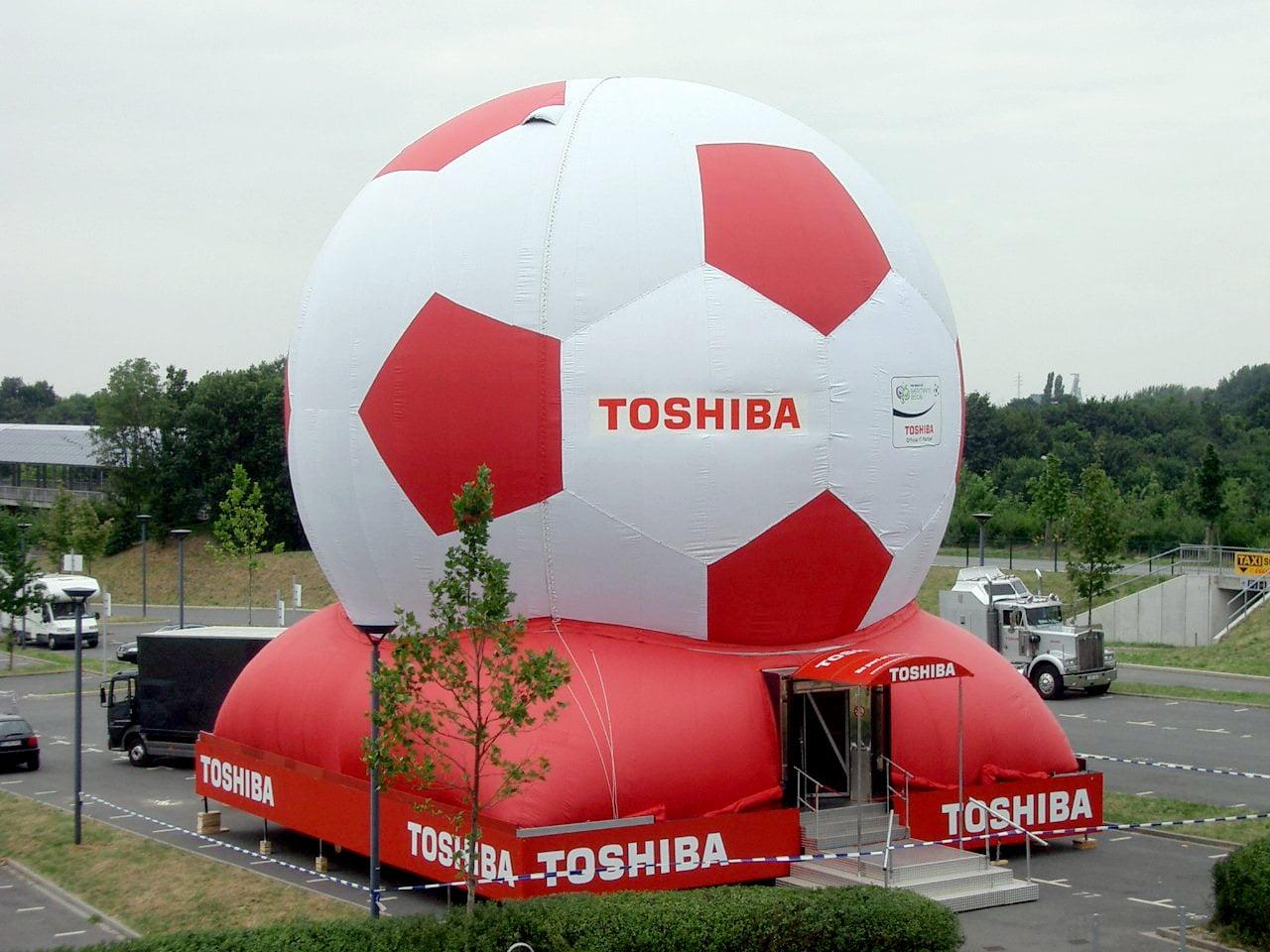 Aufblasbarer Toshiba Fußball