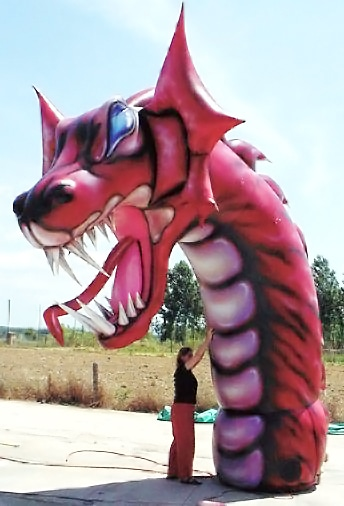 Inflatable fantasy figure dragon