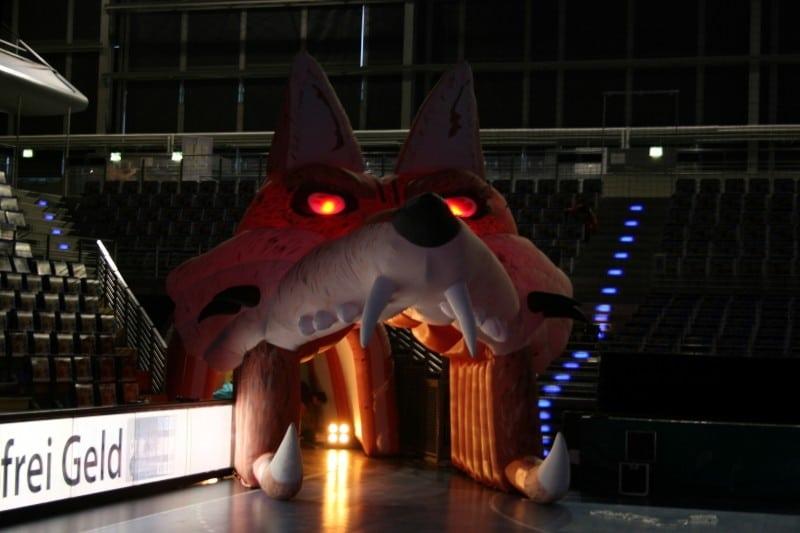 Aufblasbarer Einlauftunnel mit Beleuchtungseffekten Fuchs