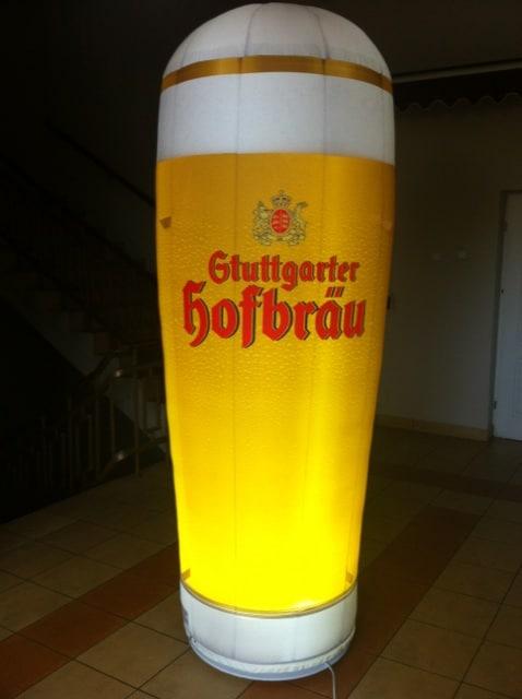 aufblasbares bierglas