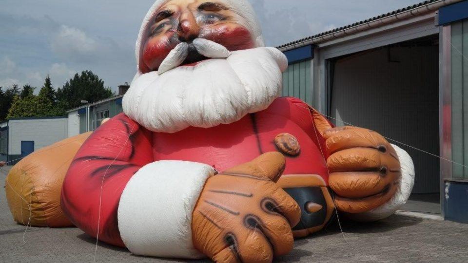 inflatable-santa