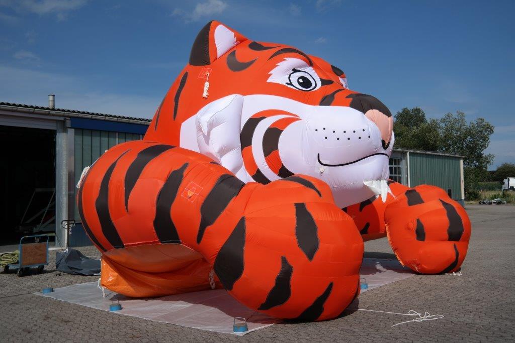 Aufblasbarer Esso-Tiger