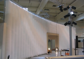 Inflatable wall for exhibiton or event