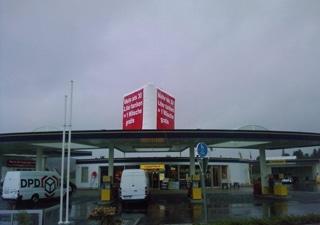 Air-Tres individueller Werbeträger für Tankstellen