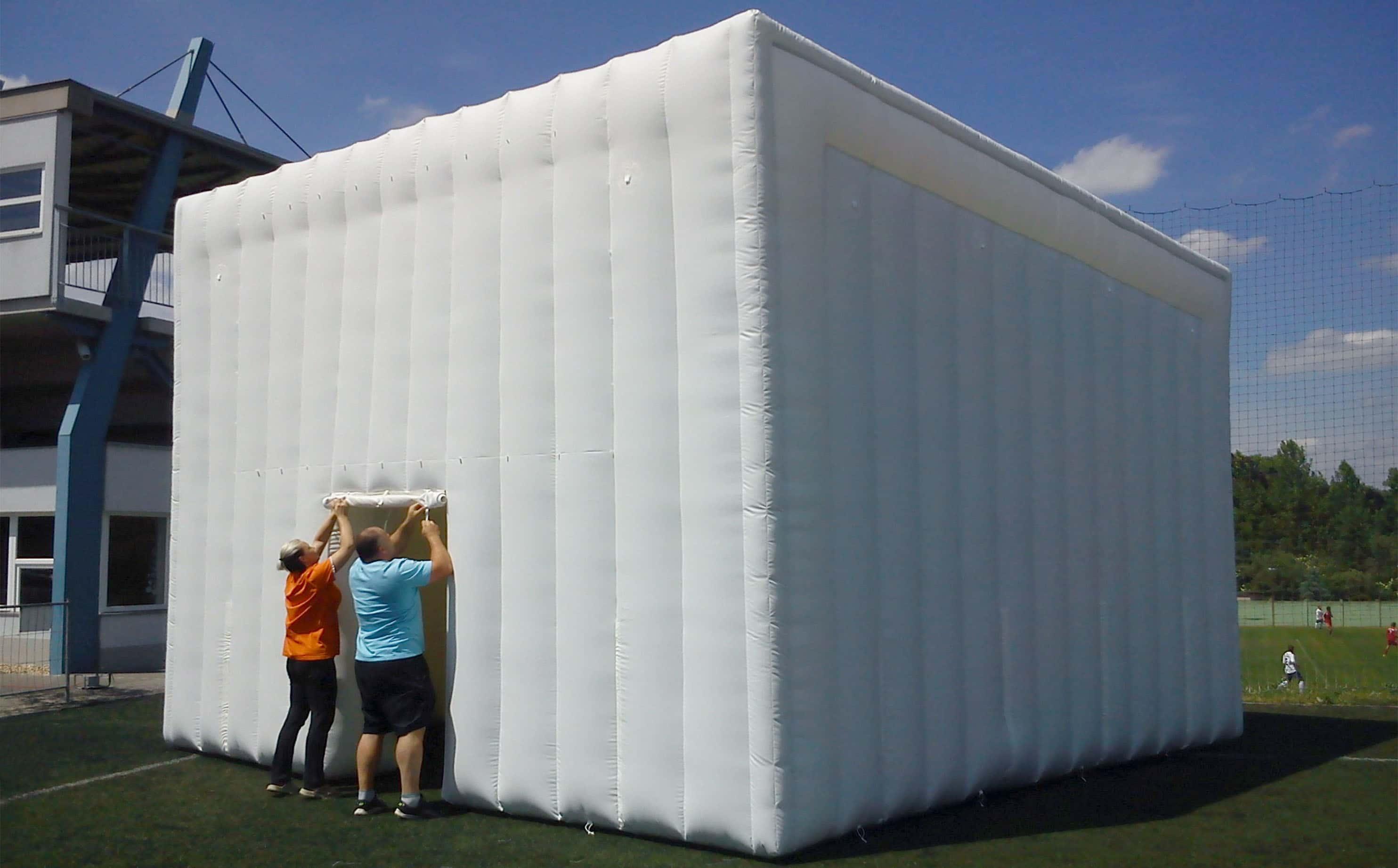 Weißes NDR-Zelt
