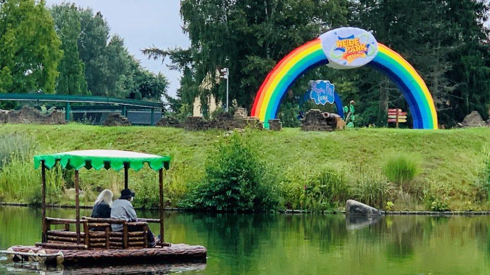 aufblasbarer Torbogen Regenbogen Heide Park