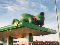 Adverstising inflatable bear on gas station