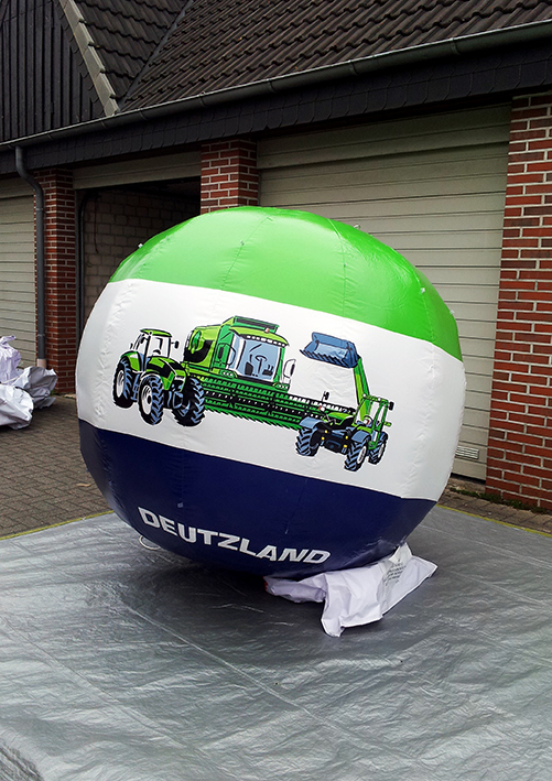 Inflatable giant ball