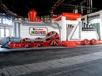 Aufblasbare Riesen Lokomotive Kinderschokolade