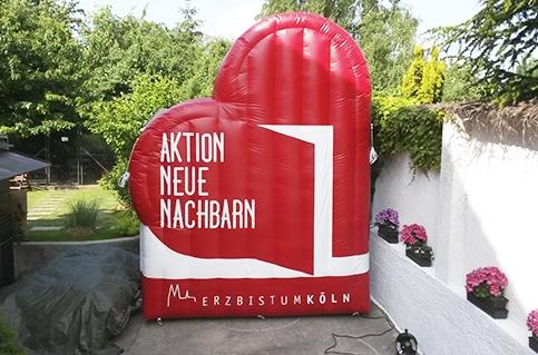 Aufblasbares Herz für die Aktion neue Nachbarn Köln3