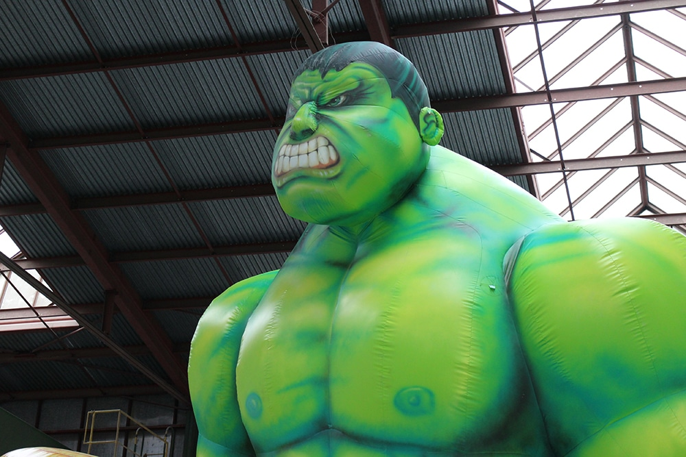 aufblasbarer-hulk 8 m