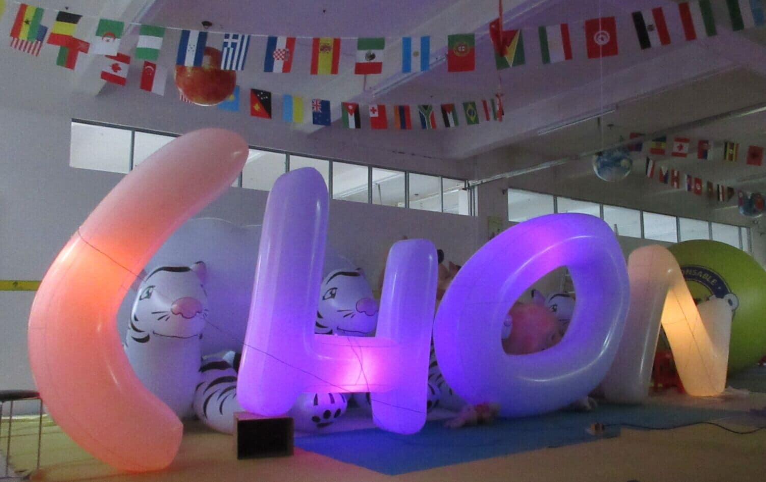 Inflatable lighted letters