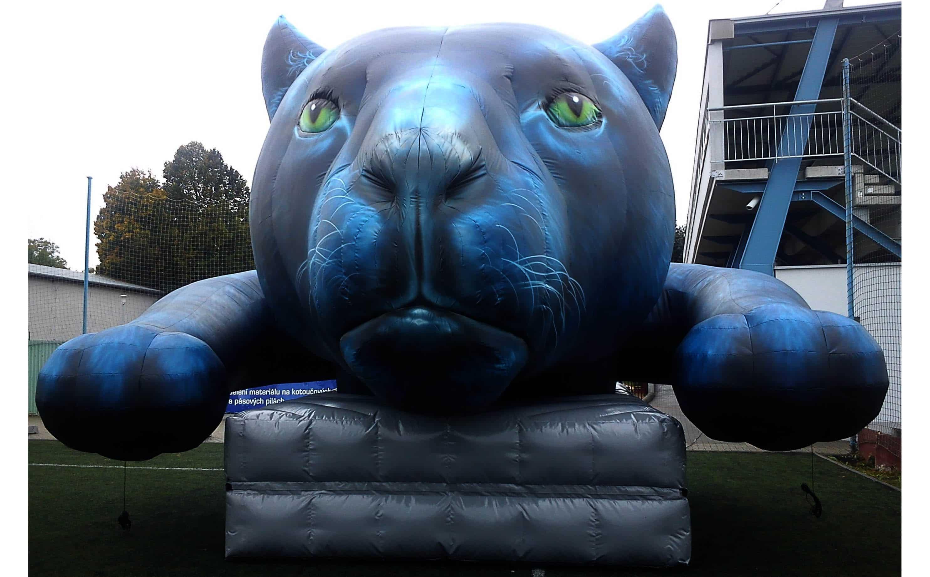 Aufblasbarer Panther