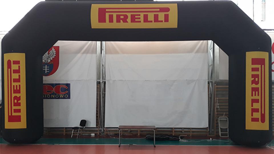 pirelli-torbogen-aufblasbar