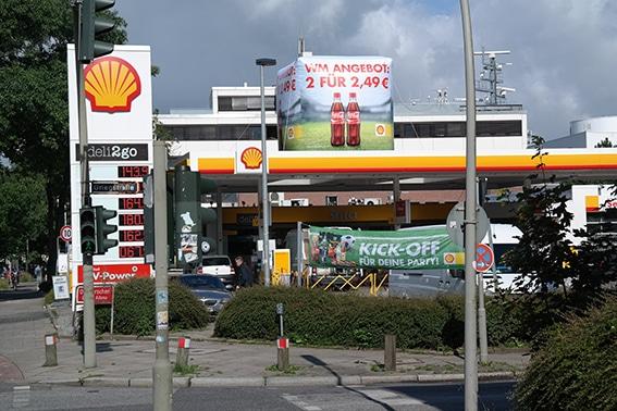 Aufblasbare Tankstellen Dachwerbung