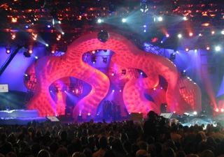 Inflatable lit stage designs
