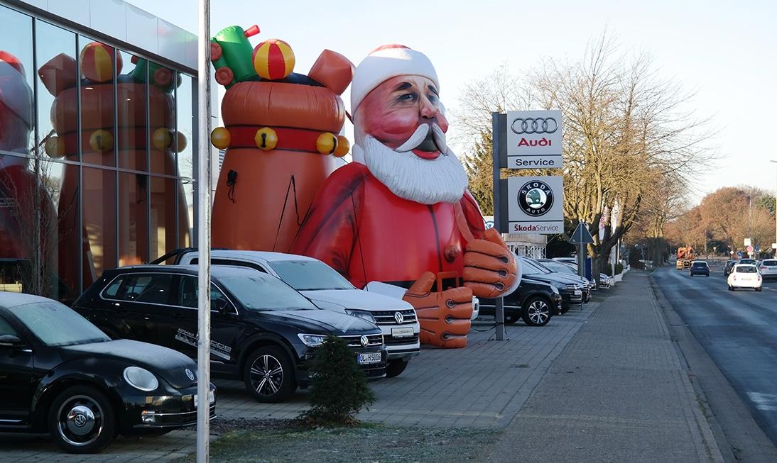 Riesen Weihnachtsmann